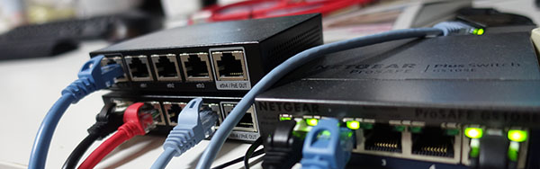 Router4台使って、擬似インターネットを構築してみました | geek